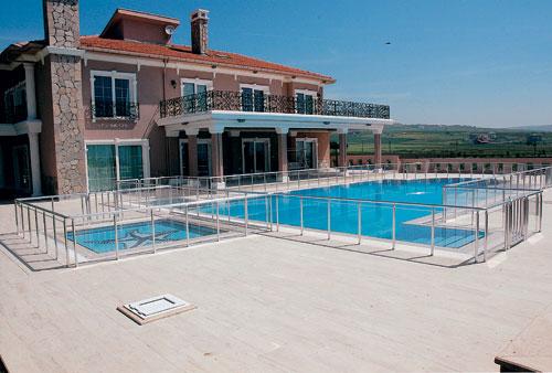 Barandillas inoxidable barandillas de aluminio for Barandilla piscina