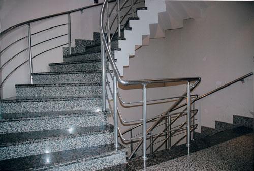 Barandillas aluminio accesorios aluminio inoxidable for Escaleras de aluminio para interiores